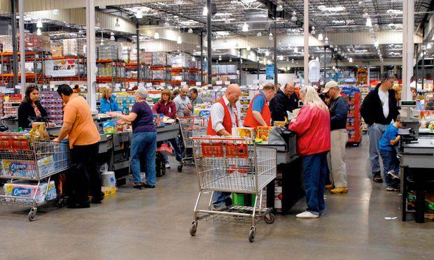 Die Grußformeln aus der amerikanischen Supermarktkultur finden zunehmend Eingang in die heimische Einkaufswelt.