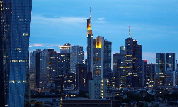 Die deutsche Bankbranche fordert ihre Regierung auf, die geplanten schärferen Kapitalregeln für Geldhäuser abzumildern.