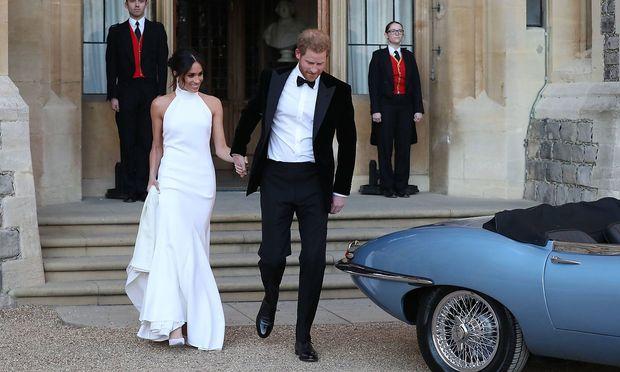 Meghan Markle und Prinz Harry feierten Samstagabend mit etwa 200 engen Freunden unter Ausschluss der Öffentlichkeit. / Bild: imago/i Images