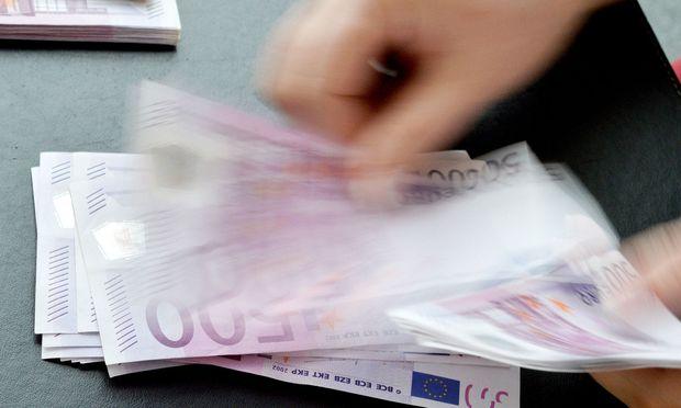 Negativzinsen haben die Sparleistung zum Erliegen gebracht