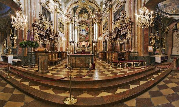 Barocke Tischlerkunst: Chorgestühl in der St. Pöltner Dom- und Pfarrkirche.