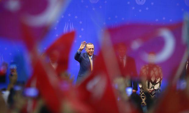 Der Auftritt des türkischen Präsidenten ist umstritten.