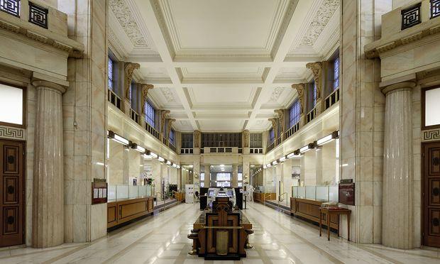Sanierung der ehemaligen Creditanstalt-Zentrale am Schottentor startet.