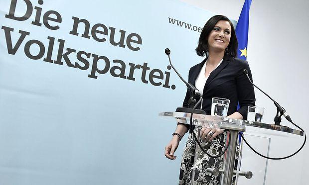 Elisabeth Köstinger / Bild: APA/HANS KLAUS TECHT