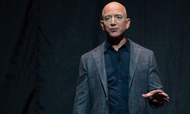 Mit einem Vermögen von 110 Mrd. Dollar ist Jeff Bezos der reichste Mensch.