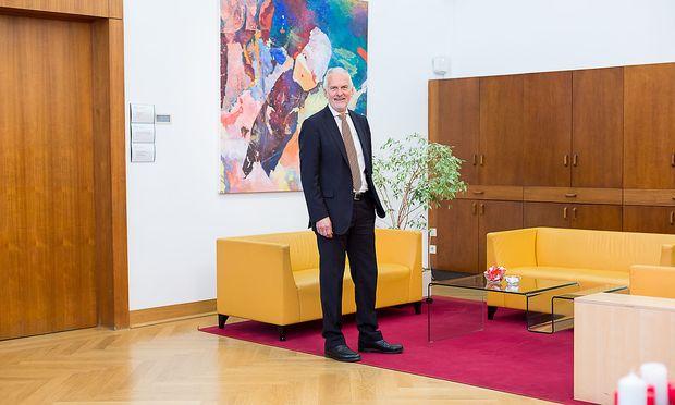 Josef Moser Justizminister Museumsstrasze by Akos Burg