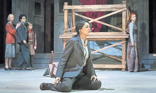 Die Stimme Myrtò Papatanasius' als Xiphares schmiegt sich jener von Patricia Petibon (Aspasia) schmeichelweich an.