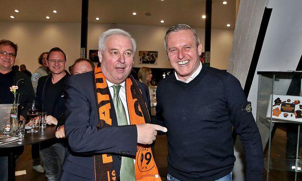 Landeshauptmann Hermann Schützenhöfer (ÖVP, l.) sieht sich  mit einem neuen Klubobmann bei den Freiheitlichen konfrontiert - Mario Kunasek kehrt aus Wien nach Graz zurück. (Archivbild)
