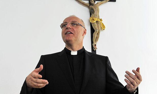 Ägidius Zszifkovics (Archivbild) wird nach Protesten nicht an der Gedenkmesse für den verstorbenen Kardinal Groer teilnehmen.