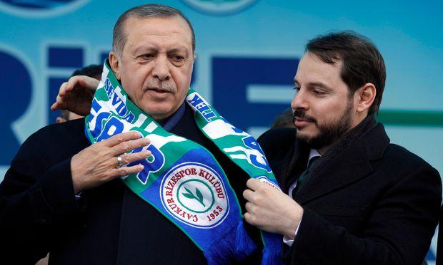 Recep Tayyip Erdogan baut auf seinen Schwiegersohn Berat Albayrak. Das Finanzministerium könnte nur ein Zwischenschritt sein.