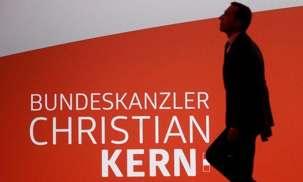 Kanzler Christian Kern vor einem Wahlkampfauftritt. / Bild: (c) Reuters