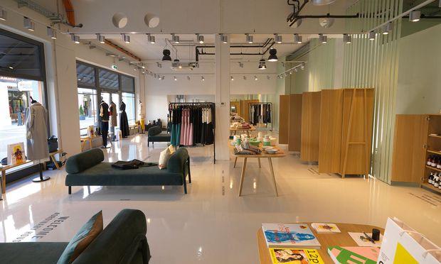 Möbelkollektion. Die Shop-Einrichtung wurde von Interio gestaltet.