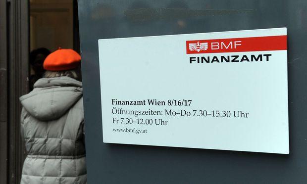 Weiter hohe Abgaben- und Steuerlast für Arbeit in Österreich