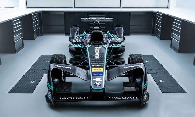Leise. Jaguar steigt in die Formel E ein, Audi und Renault sind schon dabei, Mercedes wohl bald.