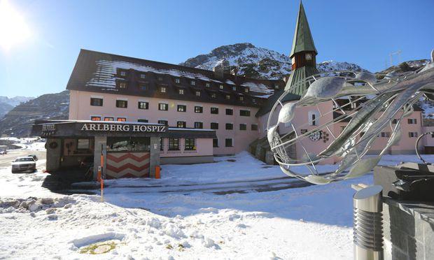 Zehn Jahre ging es bergab mit dem Arlberg Hospiz Hotel. Dann hat sich Florian Werner eingestanden, dass er vielleicht doch mehr Intendant als Kaufmann ist.