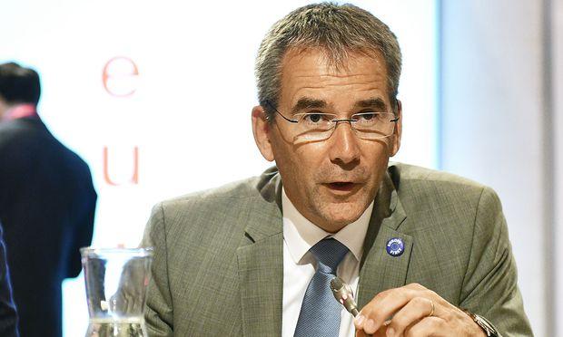 Finanzminister Hartwig Löger kommt mit der Reform der FMA voran.  / Bild: APA/HANS PUNZ