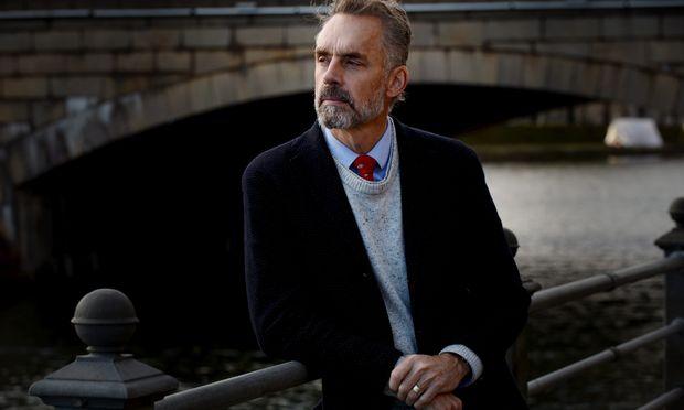 Eine gewisse Überheblichkeit und Eitelkeit haftet Jordan B. Peterson stets an. Das Bild zeigt ihn bei einem Interview in Helsinki am 4. November 2018.