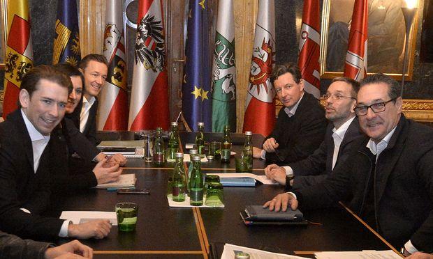 Die Steuerungsgruppe rund um Sebastian Kurz und Heinz-Christian Strache traf sich am Freitag.