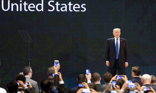 Beim Apec-Gipfel zog Donald Trump die Aufmerksamkeit auf sich. Den größten Applaus erhielt allerdings Chinas Staatschef Xi Jinping für sein Plädoyer für die Globalisierung.