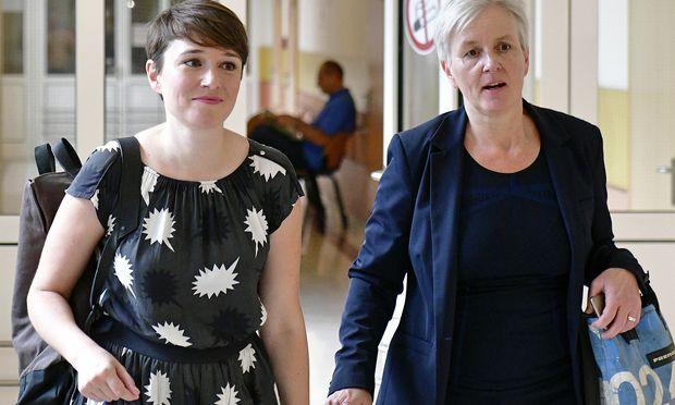 Die frühere Grün-Mandatarin Sigrid Maurer (links) wurde wegen übler Nachrede verurteilt.