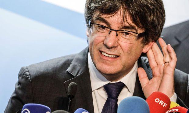 Kataloniens Separatisten proben Puigdemonts Comeback - per Skype?
