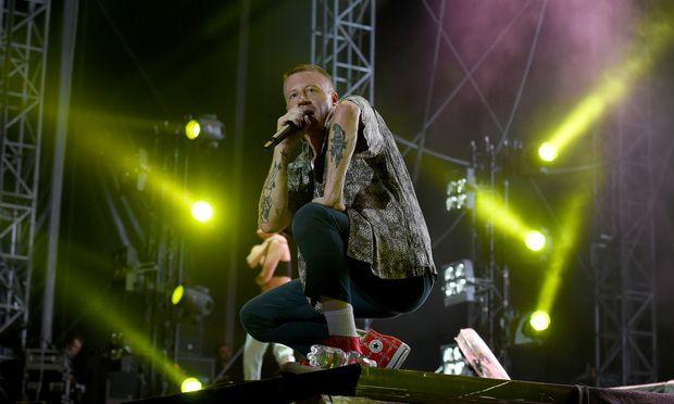 Dieser Mann ist weiß, dieser Mann ist Pop, dieser Mann ist politisch – das zieht: US-Rapper Macklemore erfrischte mit seinem Auftritt beim Frequency. / Bild: (c) APA/HERBERT P. OCZERET (HERBERT P. OCZERET)