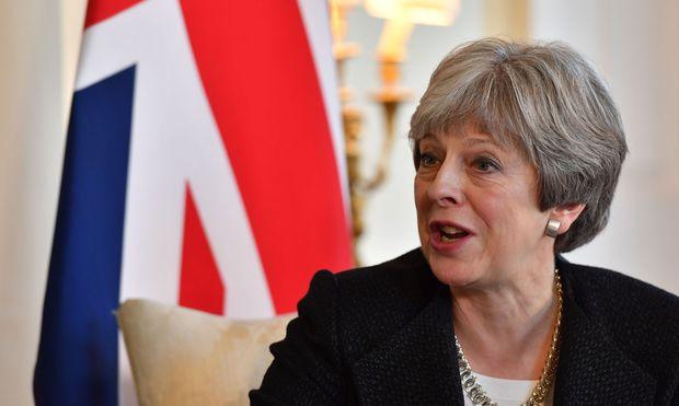 Großbritanniens Premierministerin May besucht China