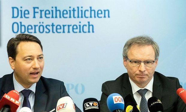 Manfred Haimbuchner (l.) mit Landesrat Wolfgang Klinger.