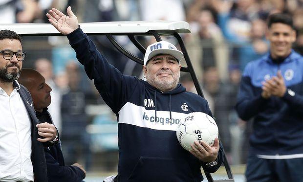 Diego Maradona, zu Tränen gerührt