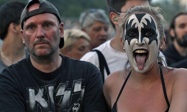 ROCK IN VIENNA: KISS FANS