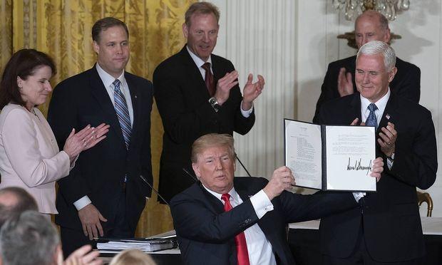 Trump plant eigene Armee für Weltraum