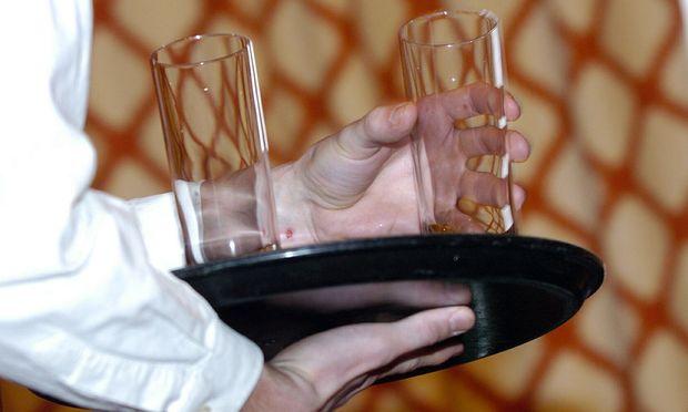 Ein Medienbericht über Strafen für Hotel-Mitarbeiter sorgt für Aufregung. Laut Management handelt es sich lediglich um eine Diskussionsgrundlage.