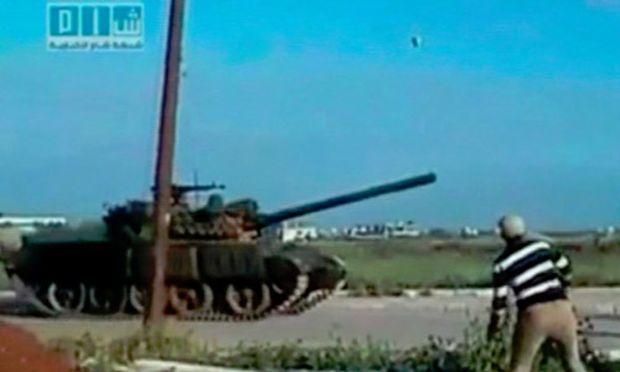 Syrien Armee marschiert Widerstandshochburg