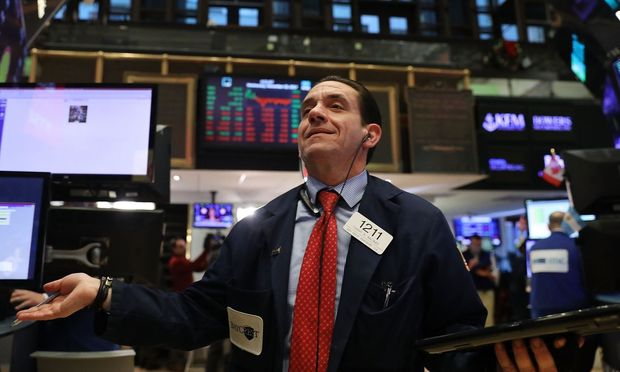 US-DOW-JONES-AVERAGE-CLOSES-AT-RECORD-HIGH