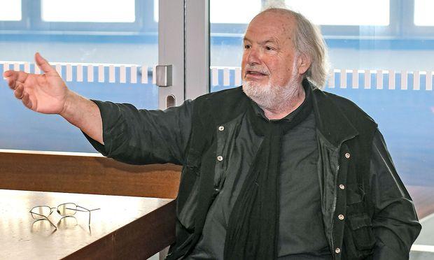 """""""Maestro"""" Gustav Kuhn soll weiterhin dirigieren."""