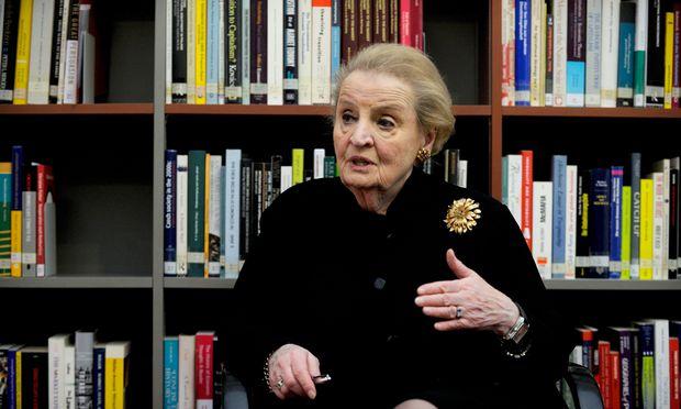 """Die ehemalige US-Außenministerin Madeleine Albright fragt sich selbst, warum die USA nicht mehr syrische Flüchtlinge aufnehmen. """"Unser Land ist groß, wir haben viel Platz."""""""