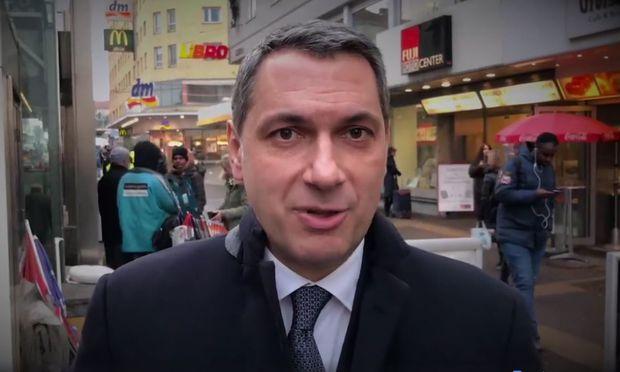 """Der Orbán-Vertraute Lázár: Wien sei aufgrund der Flüchtlinge """"schmutzig""""."""