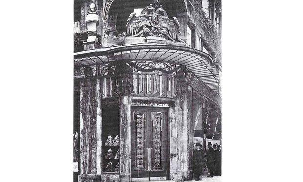 Das Café Zwieback gehörte ebenso wie das berühmte Kaufhaus zur Familie Zwieback, die 1938 enteignet wurde.