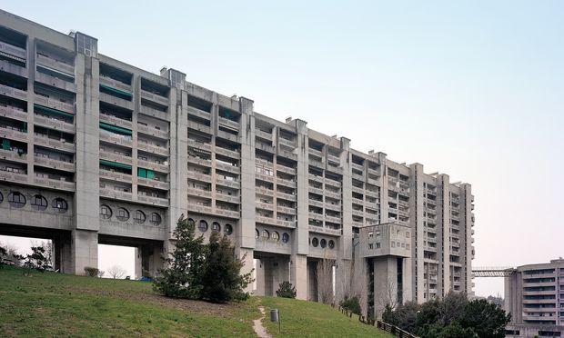 MeerBlick. 2500 Menschen leben in Triest im IACP-Komplex, erbaut zwischen 1969 und 1982.