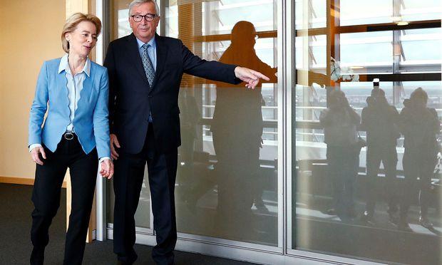 Die neue und die alte EU-Spitze: Von der Leyen und Juncker.