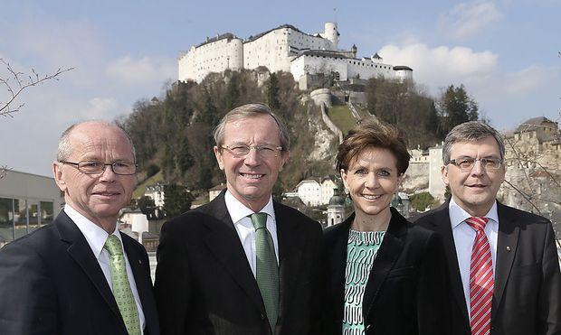 Haslauers Team für eine etwaige Regierung (v.li.): Josef Schwaiger, Haslauer, Brigitte Pallauf und Christian Stöckl