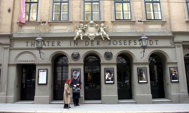 Das altehrwürdige Theater in der Josefstadt ist das eigentliche Herz des achten Bezirks.