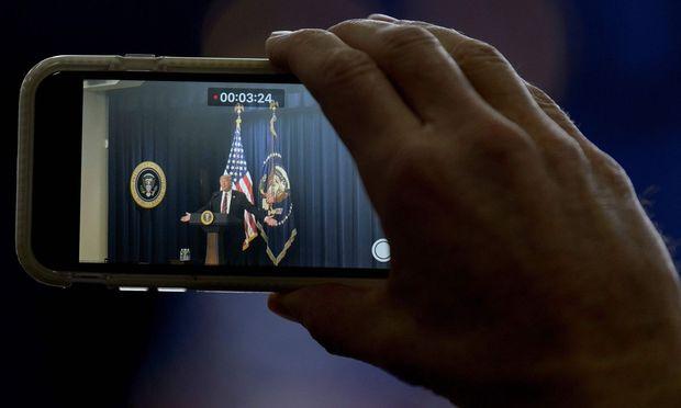 Hören China und Russland bei Trumps Privathandy mit?