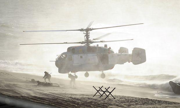 Landungen an der Ostseeküste bei Kaliningrad, Archivbild vom Manöver Zapad 2013.