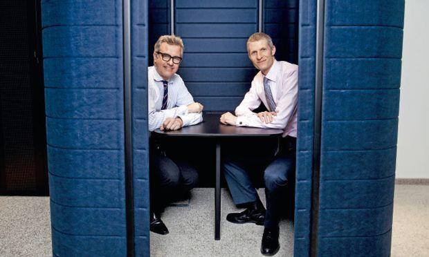 Planer Andreas Burghardt (links) und Thomas Wilhelm, Partner EY, haben am Look and Feel für die neuen Flächen gearbeitet.