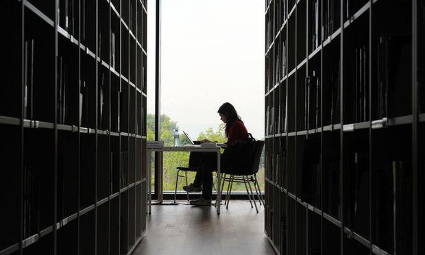 Das Ziel der Fachhochschulen: Bis zum Jahr 2025 wollen sie von derzeit rund 50.000 auf 72.000 Studenten wachsen.