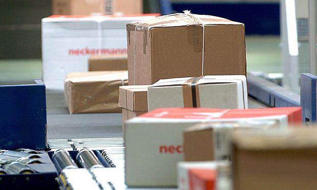 Vor allem der Internethandel lässt das Paketgeschäft der Post florieren.