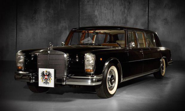 Das Highlight der Auktion ist ein Mercedes-Benz 600 Pullman (1964) mit dem Kennzeichen W-1.000, der zehn Jahre lang als österreichische Staatskarosse Nummer eins diente.