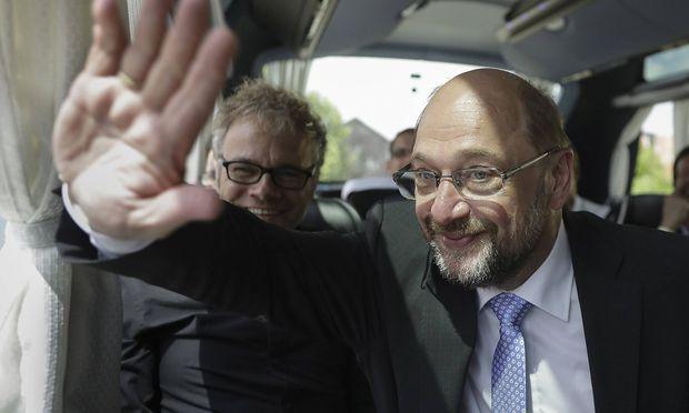 SPD-Chef Martin Schulz ist in der Asylfrage auf Linie mit seinem österreichischen Kollegen Christian Kern (SPÖ).