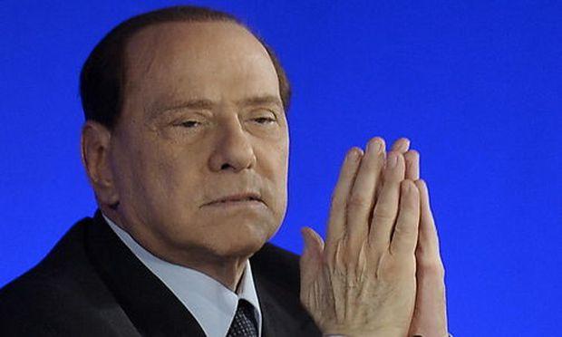 Italien: Abgeordnete flüchten aus Berlusconis Lager